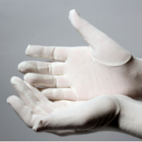 These bamboo gloves are cooling and make an excellent treatment for hand eczema.